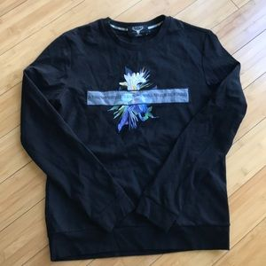 Other - Long sleeve crewneck shirt Size Small